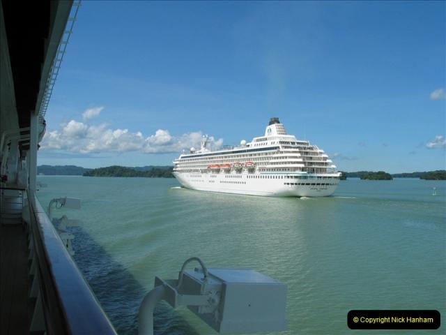 2005-11-18 PANAMA CANAL TRANSIT.  (27)351