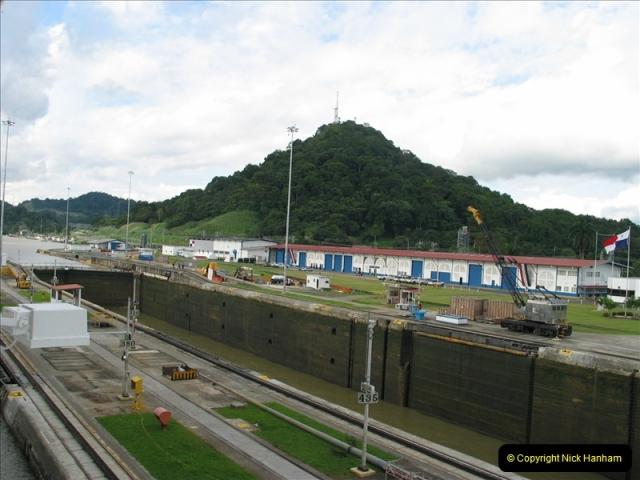 2005-11-18 PANAMA CANAL TRANSIT.  (28)352