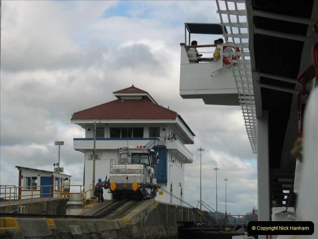 2005-11-18 PANAMA CANAL TRANSIT.  (30)354