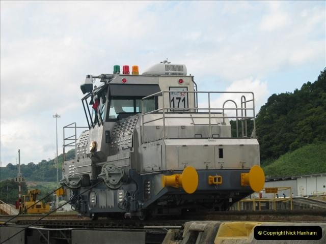 2005-11-18 PANAMA CANAL TRANSIT.  (31)355