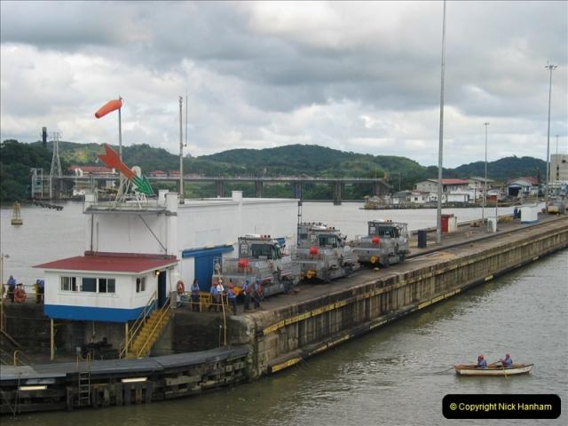 2005-11-18 PANAMA CANAL TRANSIT.  (38)362