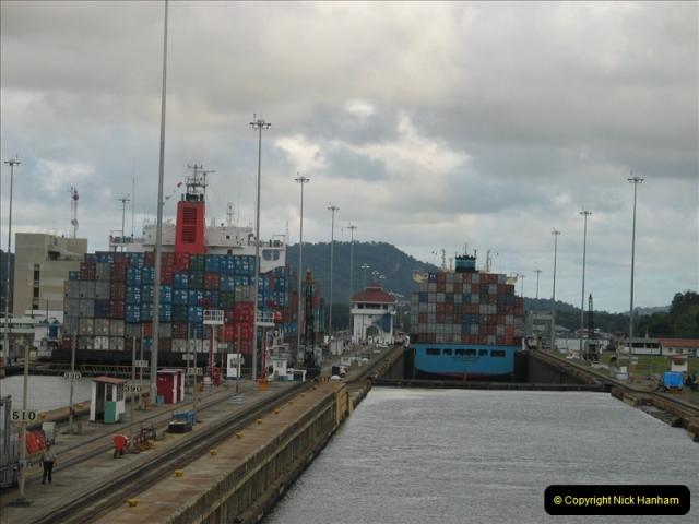 2005-11-18 PANAMA CANAL TRANSIT.  (40)364