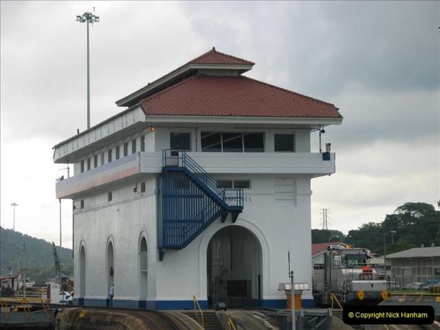 2005-11-18 PANAMA CANAL TRANSIT.  (45)369
