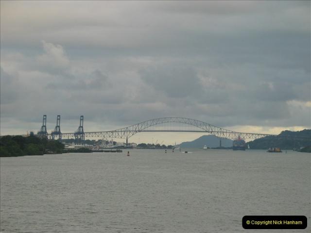 2005-11-18 PANAMA CANAL TRANSIT.  (50)374