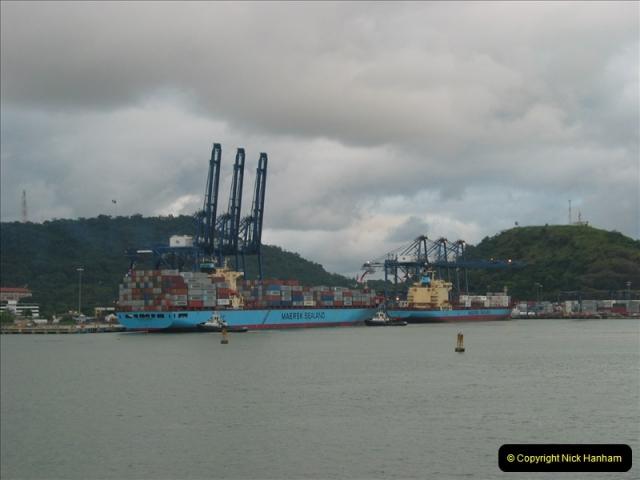 2005-11-18 PANAMA CANAL TRANSIT.  (51)375
