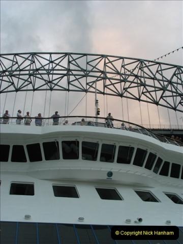 2005-11-18 PANAMA CANAL TRANSIT.  (53)377