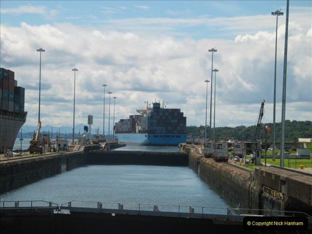 2005-11-18 PANAMA CANAL TRANSIT.  (7)331