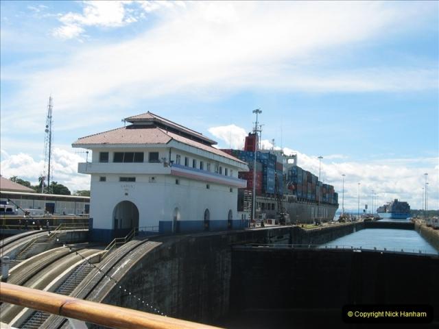 2005-11-18 PANAMA CANAL TRANSIT.  (8)332