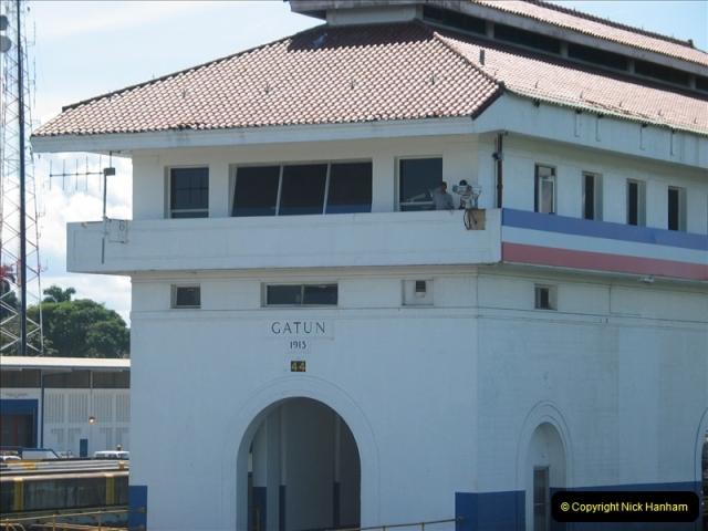 2005-11-18 PANAMA CANAL TRANSIT.  (9)333