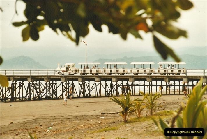 2005-11-20 Puntarenas, Costa Rica.  (61)454