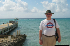 2005-11-12 Grand Caymen Islands.  (87)088