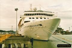 2005-11-16 Puerto Limon, Costa Rica.  (99)266
