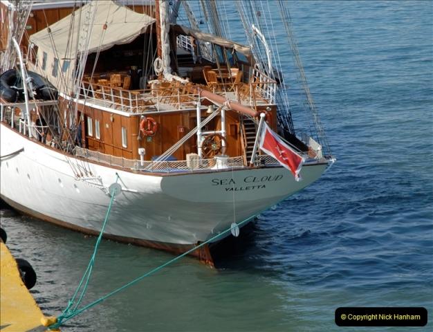 2011-11-01 The port of Piraeus & Athens, Greece.  (41)