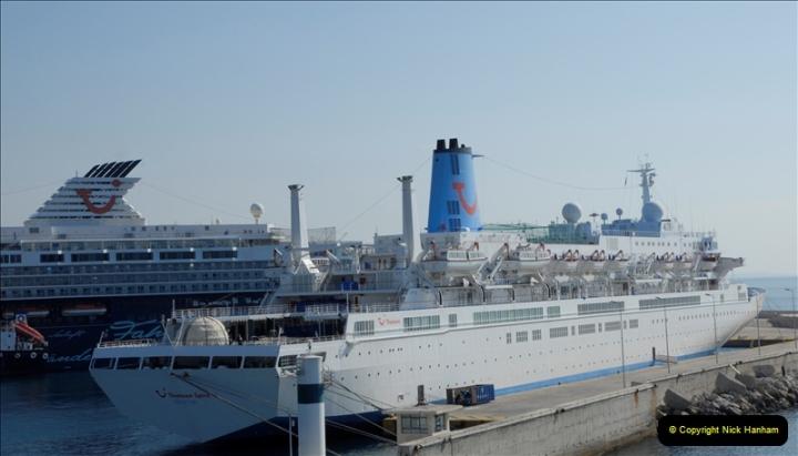 2011-11-01 The port of Piraeus & Athens, Greece.  (54)