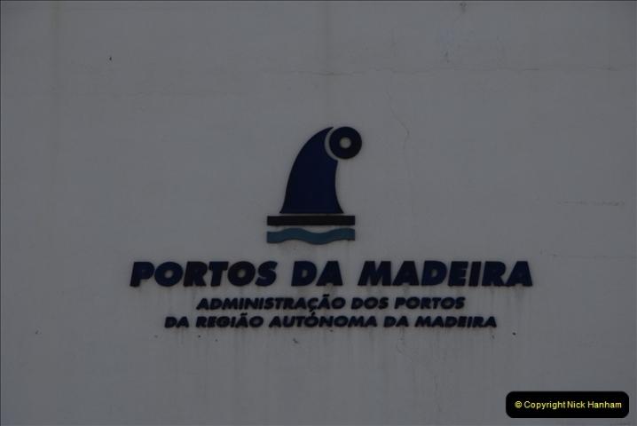 2011-04-17. Funchal, Madeira. Transport.  1 (25)229
