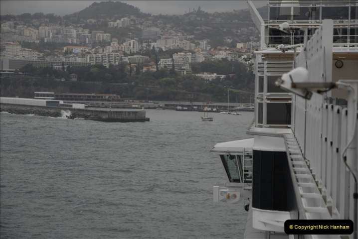 2011-04-17. Funchal, Madeira. Transport.  1 (3)207