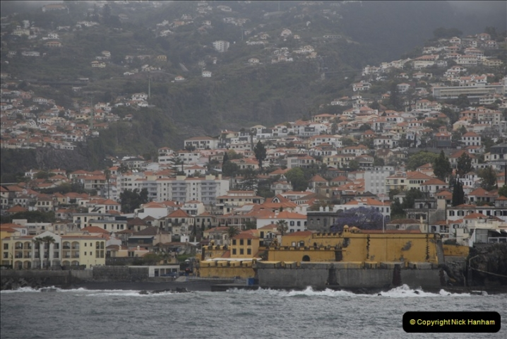 2011-04-17. Funchal, Madeira. Transport.  1 (4)208