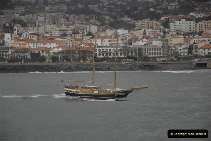 2011-04-17. Funchal, Madeira. Transport.  1 (8)212
