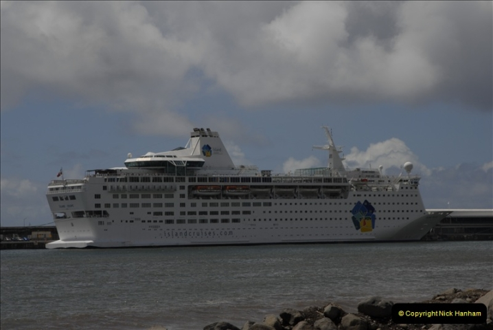 2011-04-18. Funchal, Madeira. Transport.  1 (107)311