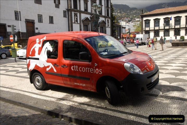 2011-04-18. Funchal, Madeira. Transport.  1 (117)321