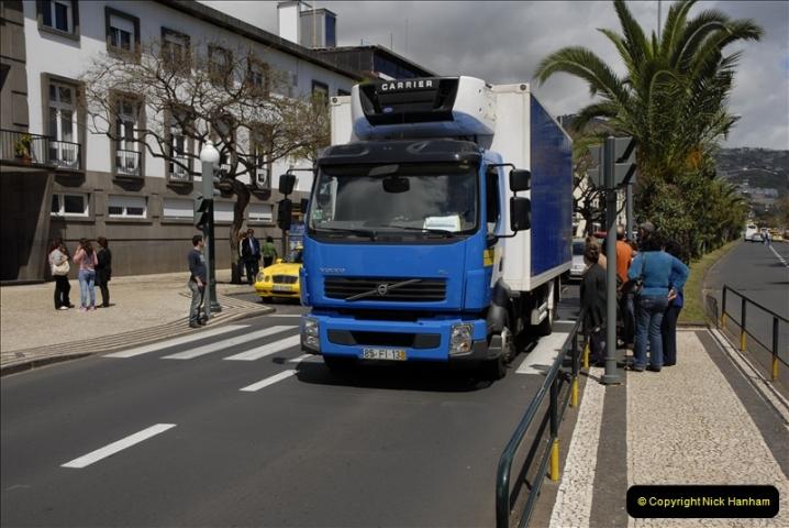 2011-04-18. Funchal, Madeira. Transport.  1 (128)332