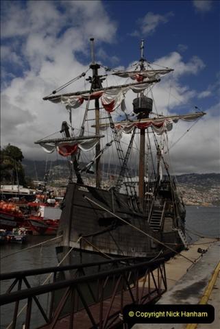 2011-04-18. Funchal, Madeira. Transport.  1 (133)337