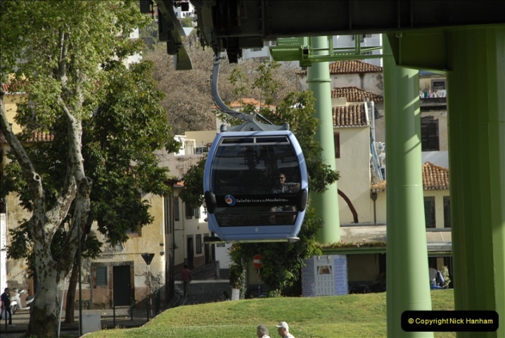 2011-04-18. Funchal, Madeira. Transport.  1 (46)250