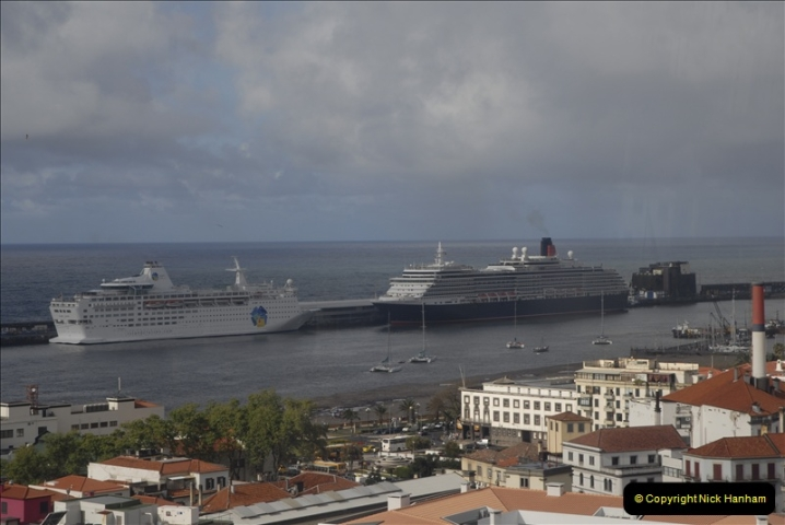 2011-04-18. Funchal, Madeira. Transport.  1 (54)258