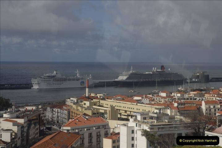 2011-04-18. Funchal, Madeira. Transport.  1 (60)264