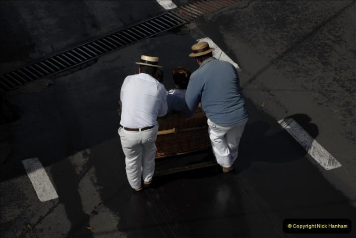 2011-04-18. Funchal, Madeira. Transport.  1 (84)288