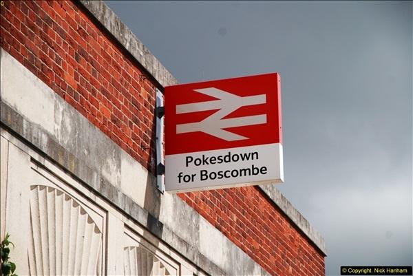 2014-07-05 Pokesdown Station, Bournemouth, Dorset.  (1)240