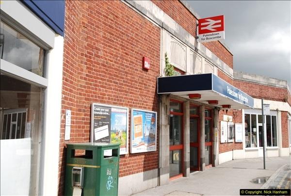 2014-07-05 Pokesdown Station, Bournemouth, Dorset.  (2)241