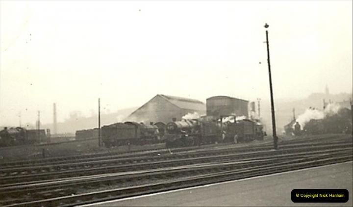 1955 to 1959 British Railways in Black & White.  (40)0040