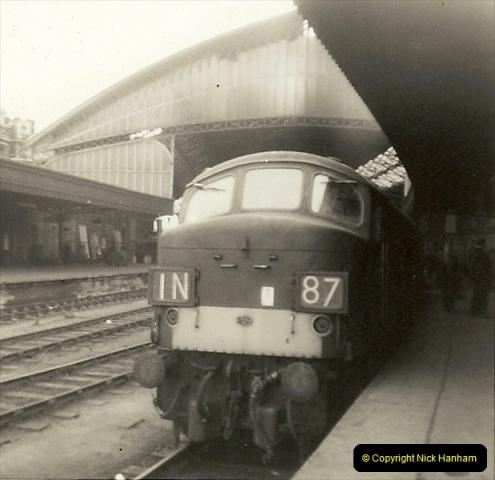 1955 to 1959 British Railways in Black & White.  (75)0075