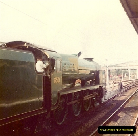 1980-09-27 The Victory Express to Leeds &  North West England.  (4)0248
