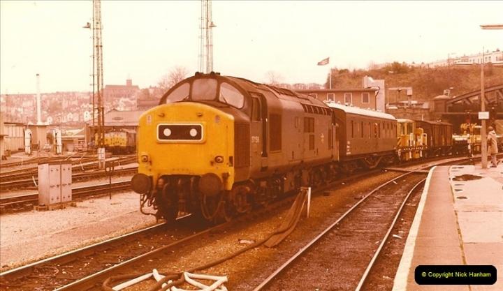 1981-11-17 Bristol Temple Meads, Bristol.  (4)0305