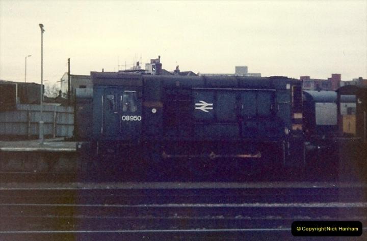 1981-11-17 Bristol Temple Meads, Bristol.  (8)0309