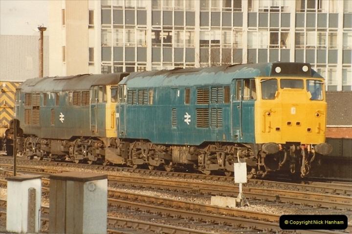 1982-03 26 to 27 Bristol Temple Meads, Bristol.  (15)0337