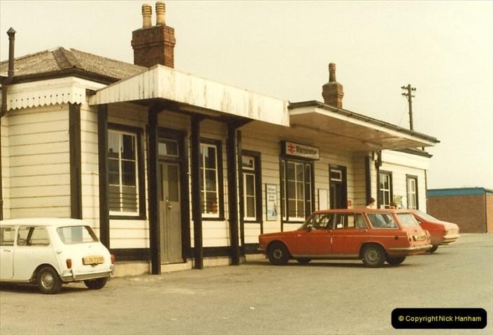 1982-03-28 Warminster Station, Warminster, Wiltshire.0322