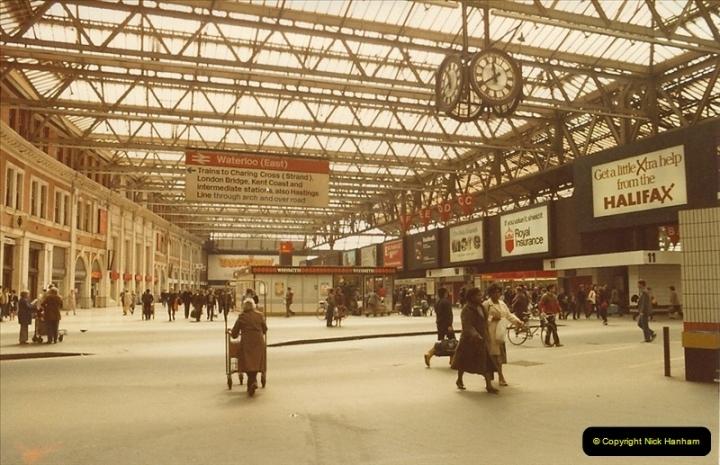 1982-04-17 Waterloo Station, London. (2)0353