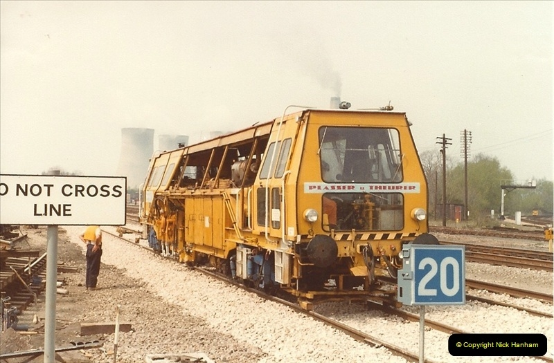 1982-04-25 Didcot, Wiltshire.  (4)0404