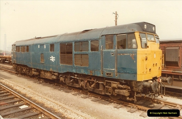 1982-04-25 Didcot, Wiltshire.  (6)0406
