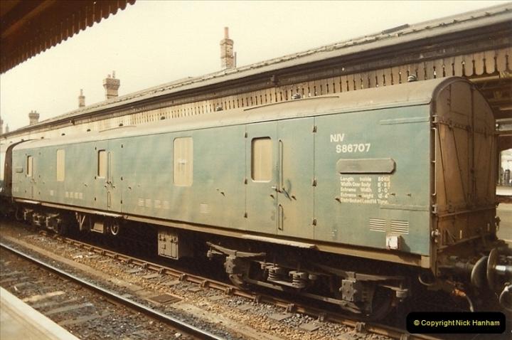 1982-04-25 Salisbury, Wiltshire.  (3)0413