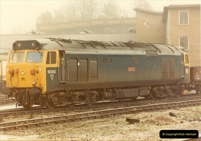 1982-11-02 Bristol Temple Meads station, Bristol.  (1)0490