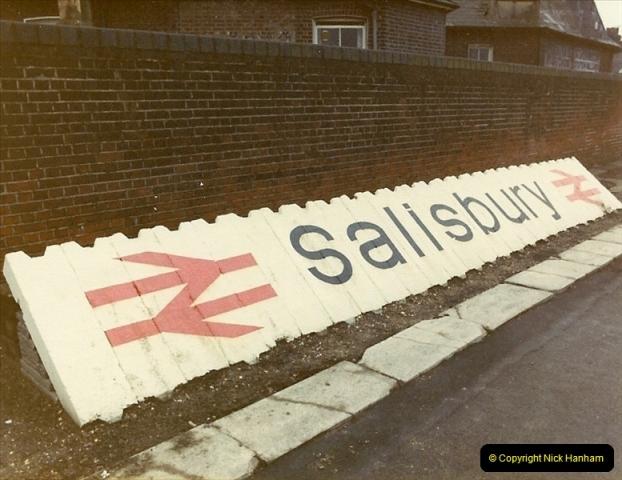 1982-12-04 Salisbury, Wiltshire.  (1)0492