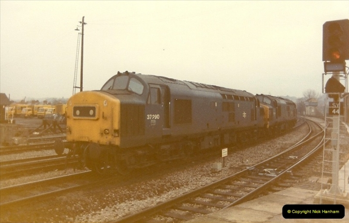 1982-12-04 Salisbury, Wiltshire.  (7)0498