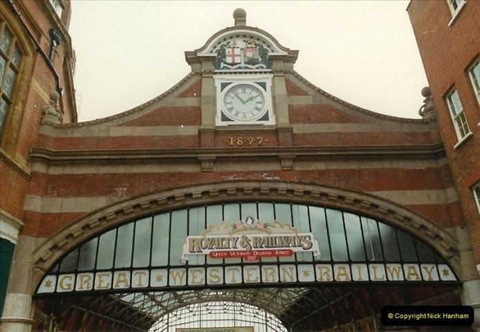 1983-09-01 Royality & Railways, Windsor Station, Windsor, Berkshire.  (1)0507