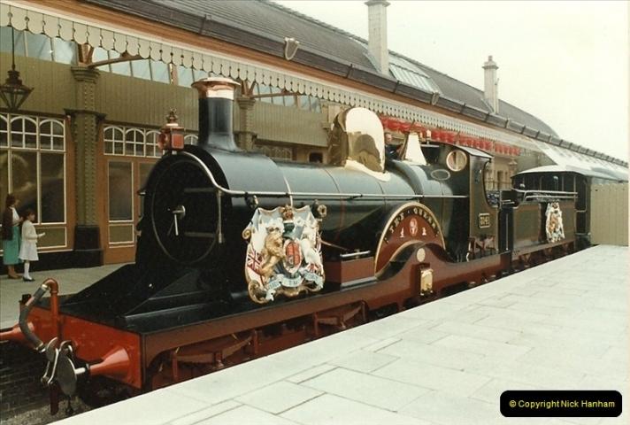 1983-09-01 Royality & Railways, Windsor Station, Windsor, Berkshire.  (2)0508