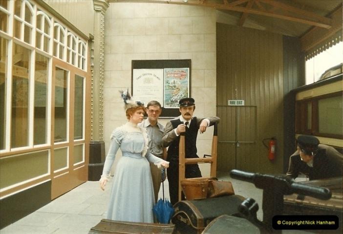 1983-09-01 Royality & Railways, Windsor Station, Windsor, Berkshire.  (6)0512