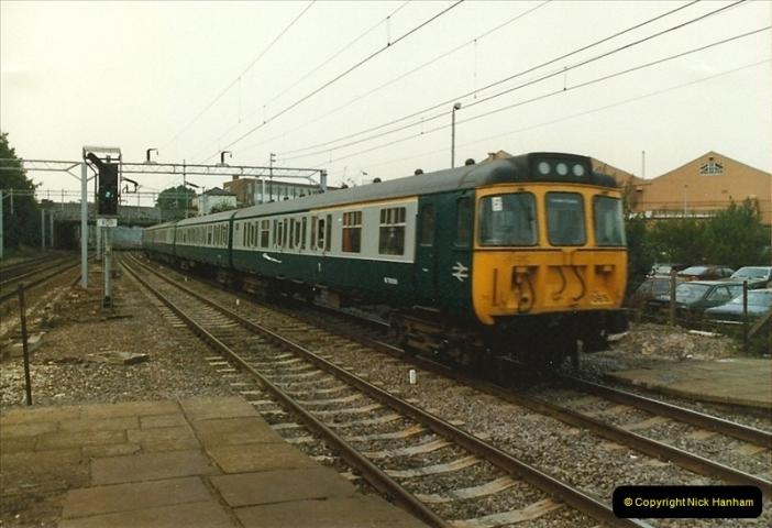 1983-09-01 to 02 Watford Junction, Watford, Hertfordshire.  (12)0533